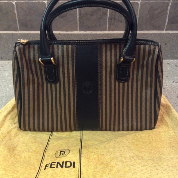 Fendi Handbags - 100% authentic vintage Fendi 739fbed2c42f2